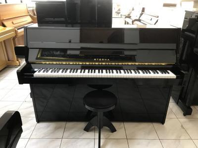 Černé pianino Eterna - Yamaha made in Japan se zárukou 2 roky