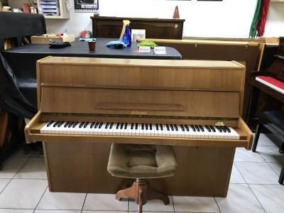 Německé pianino vdobrém stavu, sezárukou, doprava zdarma.