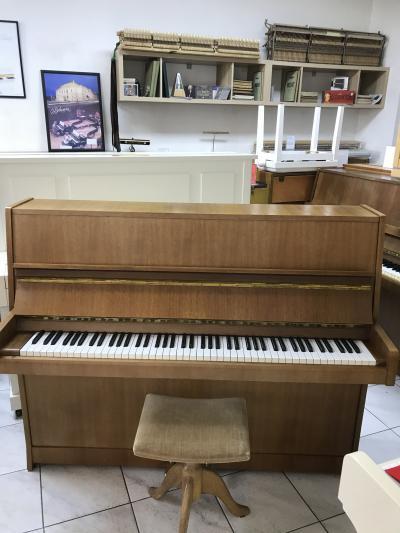 Pianino Petrof 116 poprvním majiteli, záruka 2roky, doprava zdarma