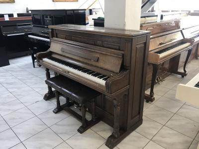 Krásné pianino Rippen se zárukou, doprava zdarma