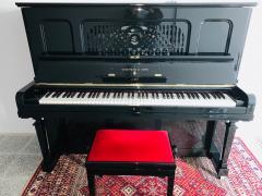 Pianino Steinway & Sons model EBONIZED SE ZÁRUKOU.