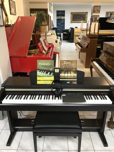 Elektrické piano Yamaha Clavinova model CLP 920.