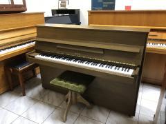 Finské pianino vevelmi dobrém stavu, poprvním majiteli