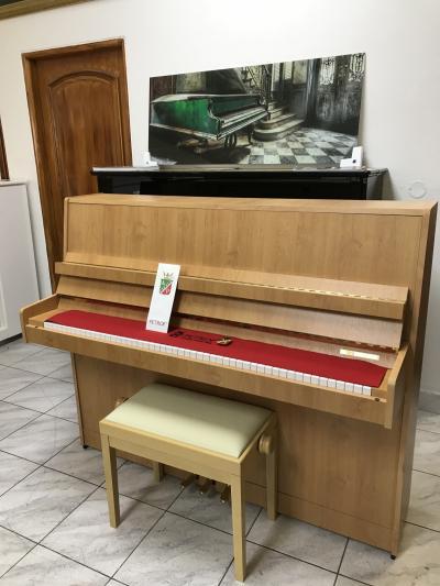 Pianino Petrof 118 L1, rok výroby 2006, záruka 5 let, první ladění zdarma