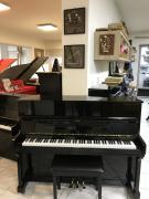 Černé pianino Noname.