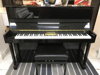 Pianino Morrison sezárukou, včetně židle a dopravy