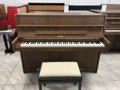 Bohemia piano Jihlava sezárukou 2 roky.