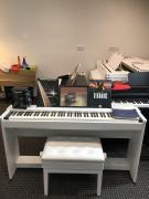 Bílé digitální piano Kawai CN 36 se zárukou