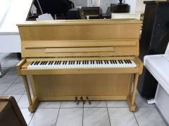Pianino Petrof model 115 VII, první majitel, koupeno nové v roce 2002.