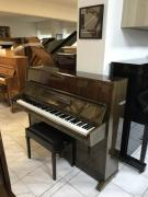 Pianino Weinbach model 112, sezárukou.
