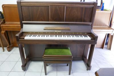 Pianino PETROF model A 143 po generální opravě.