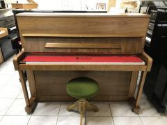 Pianino Petrof model 116, rok výroby 1990, první majitel.