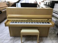 Finské pianino.