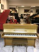 Pianino August Förster se zárukou.