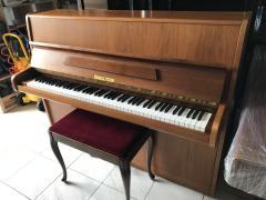 Pianino Fuchs & Mohr s židlí vzáruce a doprava zdarma.
