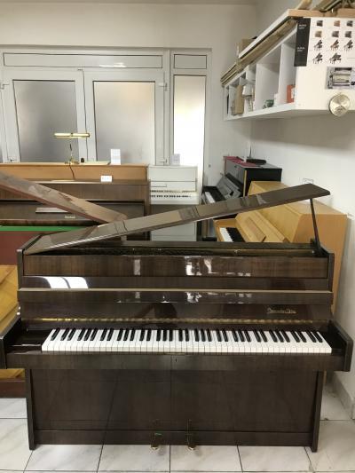 Německé pianino Steingraeber & Söhne sezárukou.