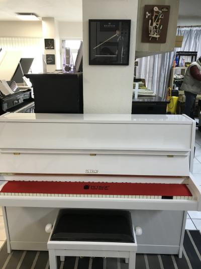 Pianino Petrof 112 Internacional