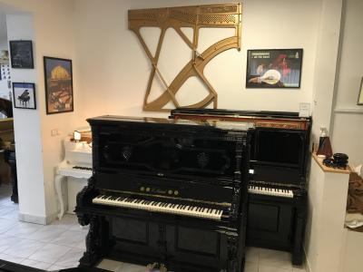 Pianino Carl Mand po opravě, sezárukou, doprava zdarma