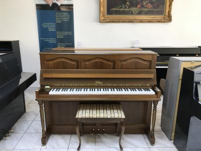 Značkové pianino Solton sněmeckou mechanikou RENNER, záruka