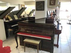 Krásné pianino Petrof Rococo, poprvním majiteli, se zárukou.