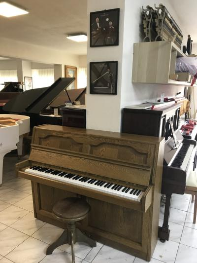 Pianino NORDISKA se zárukou, doprava do 100 km zdarma.