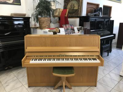 Finské pianino Fazer se zárukou + dárek kytarový set 4/4