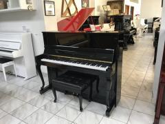 Pianino Bohemia model 122 Demichippendale.