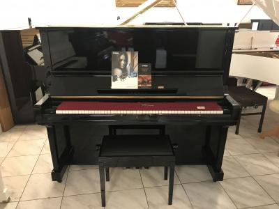 YAMAHA U3 koncertní klavír vevelmi dobrém stavu.