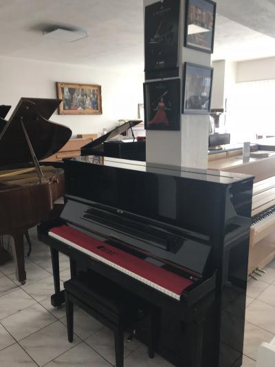 Pianino Petrof model 124 II, rok výroky 2000, se zárukou 2 roky, doprava zdarma