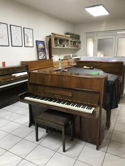 Pianino Petrof model K114 sezárukou, krásný zvuk.