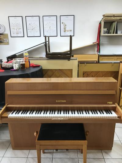 Pianino W.Hoffman - C.Bechstein sezárukou, doprava a židle vceně