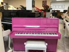 Růžové pianino Hellas