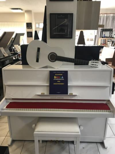 Bílé pianino August Förster - Petrof + dárek klasik kytara.