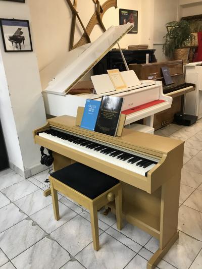Krásné zánovní digitální piano Yamaha ARIUS 162.
