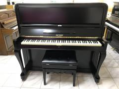 Pianino Petrof model F 135