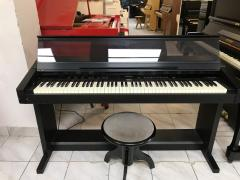 Pianino Roland model KR 3000