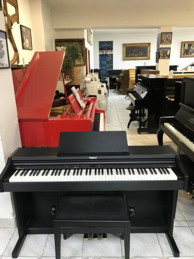 Digitální piano Roland model RP 201 made in Italy