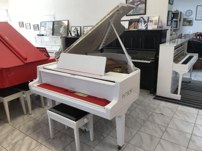 Bílý klavír Petrof modelIV, opus 419367