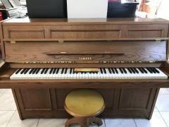Akustické pianino Yamaha made in Japan, sezárukou 3 roky