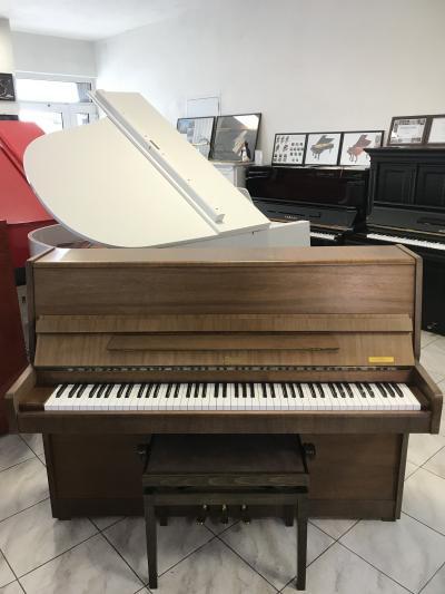 Pianino Rösler - Petrof se zárukou, včetně prvního ladění.
