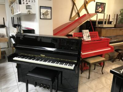 Černé pianino Weinbach - Petrof model116