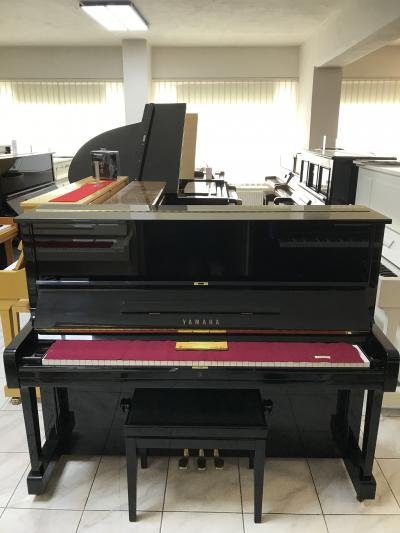 Pianino YAMAHA U1 made in Japan se zárukou 5 let.