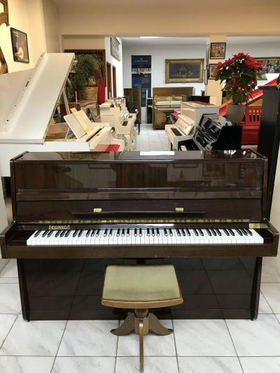 Polské pianino vdobrém stavu, sezárukou, doprava zdarma