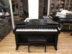 Pianino Yamaha CLP 811 v dobrém stavu, doprava zdarma.