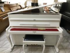 Bílé pianino Petrof model Romantik r.v.1994