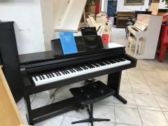 Digitální piano Yamaha model Clavinova CLP 155.