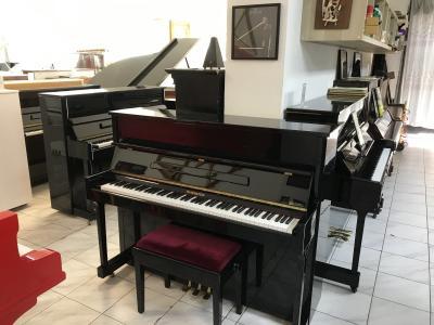 Pianino Ravenstein s židlí