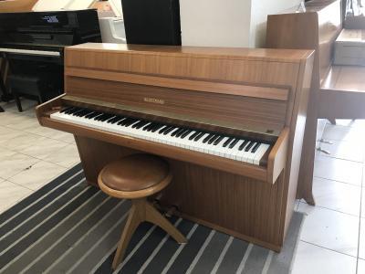 Pianino W. Hoffmann - C. Bechstein se zárukou 2 roky + dárek kytara 4/4.