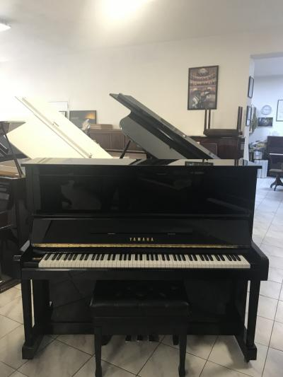 Pianino YAMAHA MODEL MX 100 B (U 1) SE ZÁRUKOU 5 let