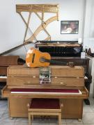 Pianino Samick se zárukou 2 roky, dárek klasik kytara.
